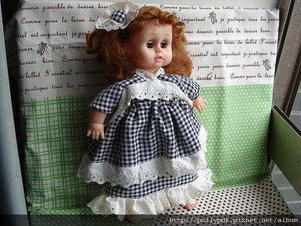 娃娃格紋洋裝.JPG