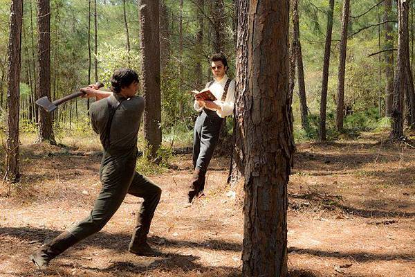 Abraham-Lincoln-Vampire-Hunter-20