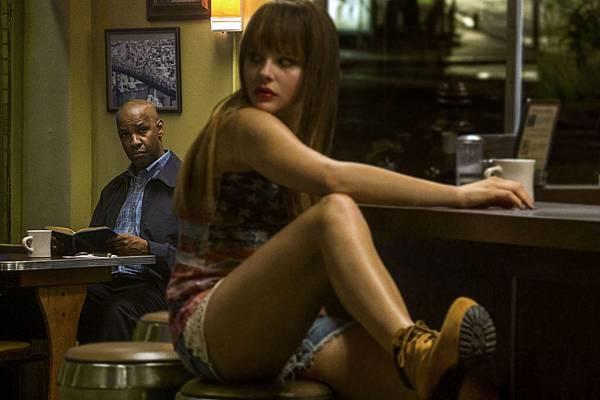 The-Equalizer-26-Denzel-Washington-and-Chloë-Grace-Moretz