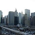 從橋上瞭望回去的曼哈頓