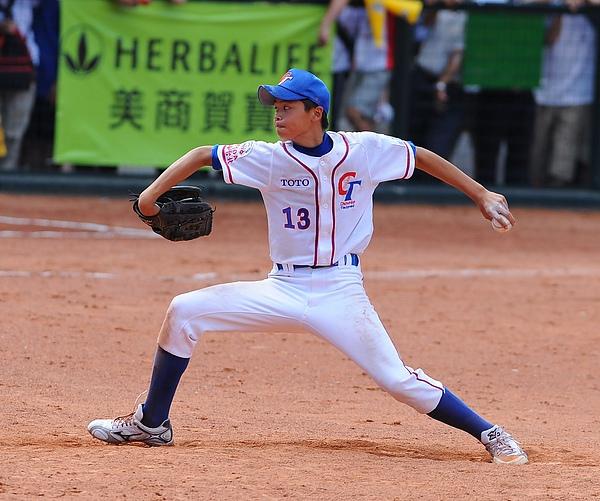 20100718-對戰日本完封七局的勝利投手陳仕朋.JPG