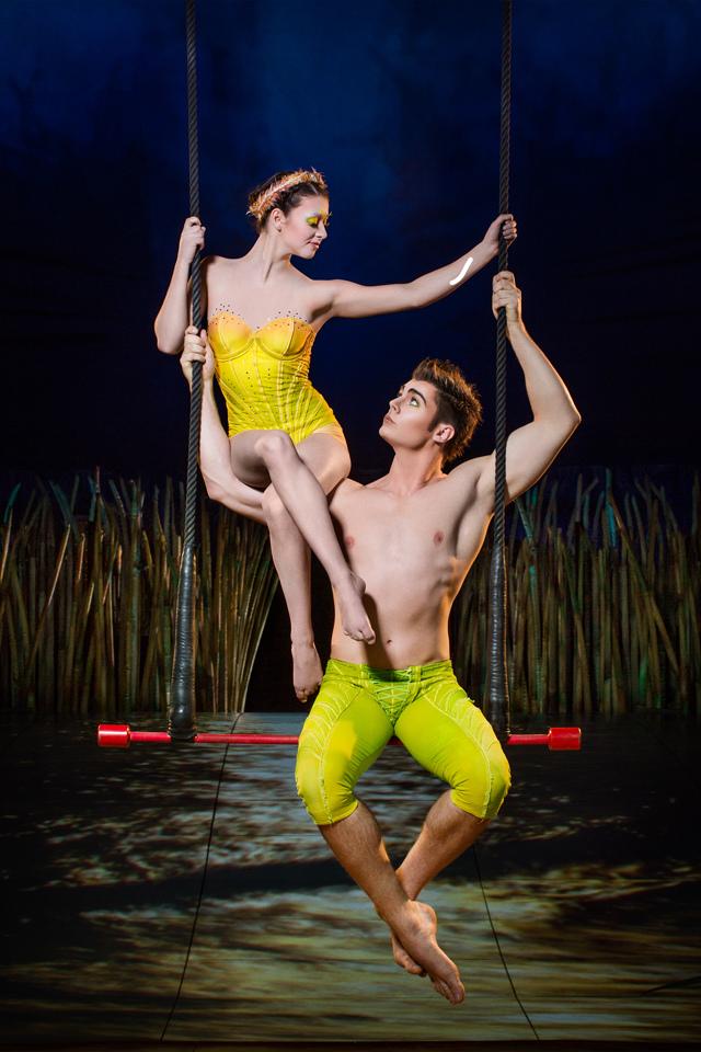 cirque-totem-trapeze.jpg