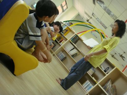 圖書館的椅子很可愛