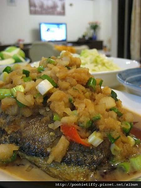黃魚佐蘿蔔泥