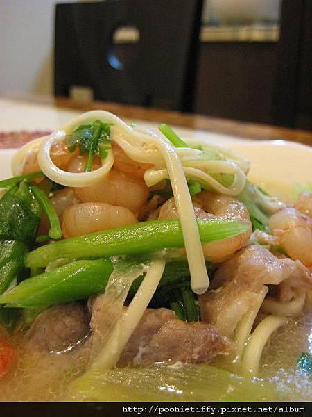 蝦仁什錦麵