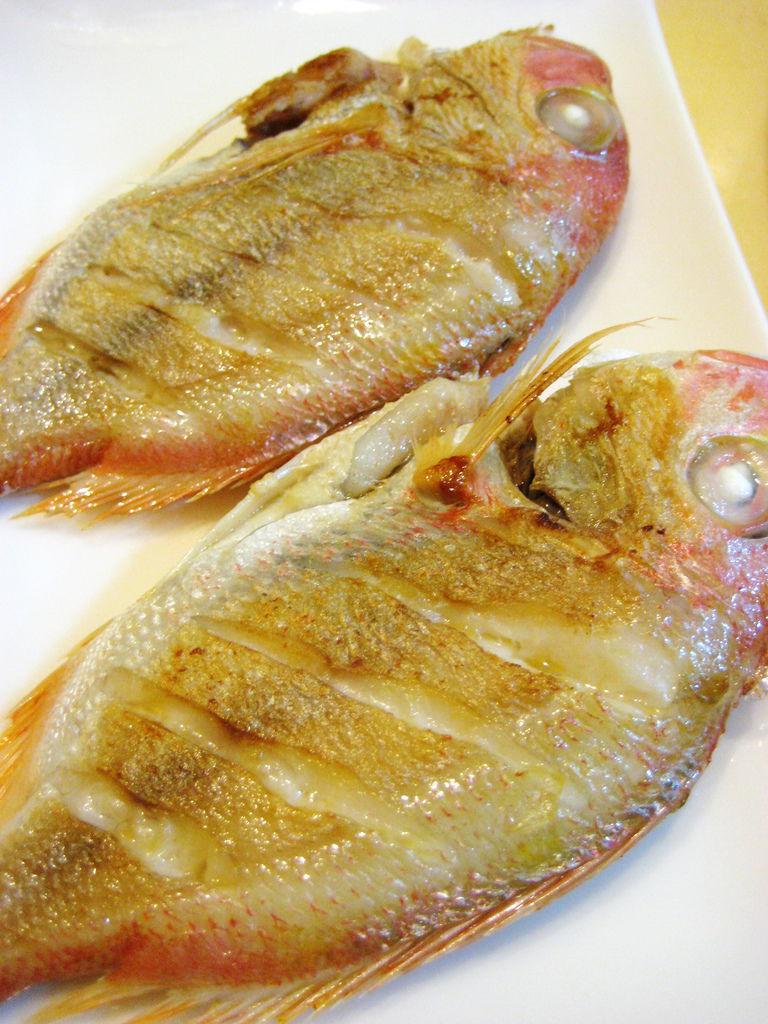 乾煎赤棕魚
