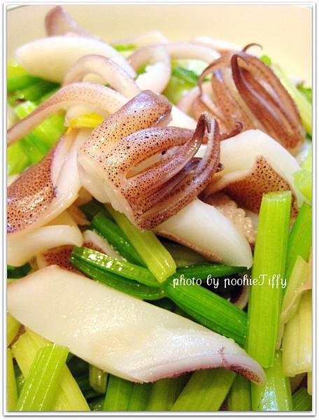 芹菜炒小卷