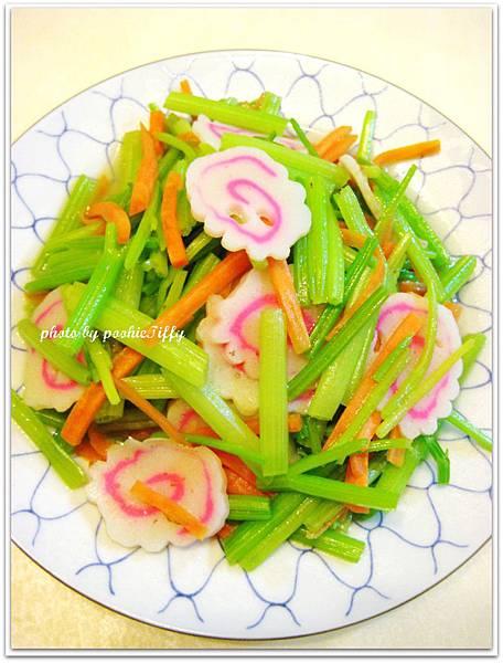 清炒芹菜紅蘿蔔絲