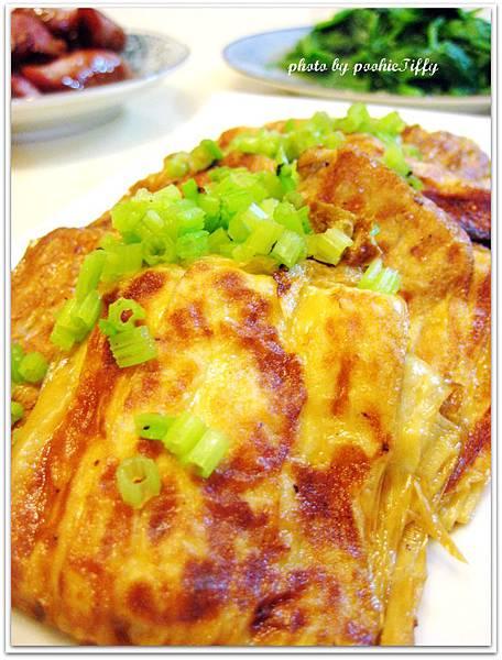紅燒豆包+清燙波菜+紹興香腸