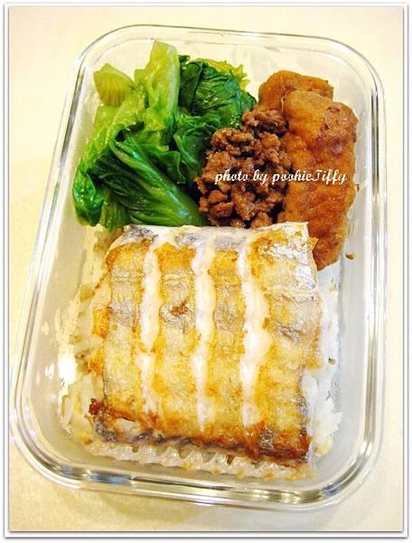 嫩煎白帶魚+水炒大陸妹+滷豆腐