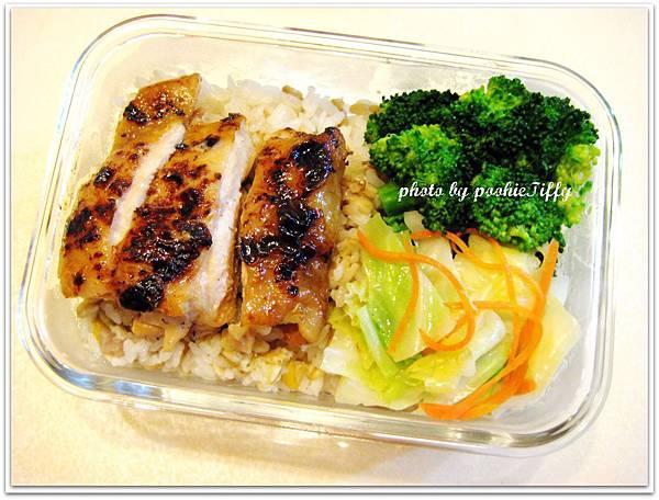 照燒雞腿排+水炒高麗菜+清燙花椰菜