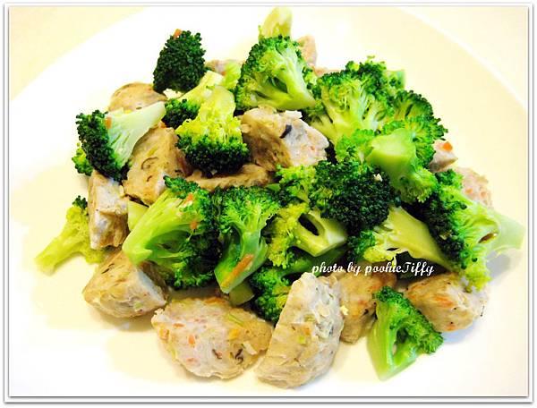 清炒花椰菜蔬菜魚丸