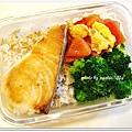 清燙花椰菜+蕃茄炒蛋+乾煎土魠魚