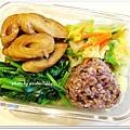 麻油素麵腸+蒜味波菜+水炒高麗菜