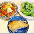 乾煎土魠魚+蕃茄炒蛋+清燙大陸妹