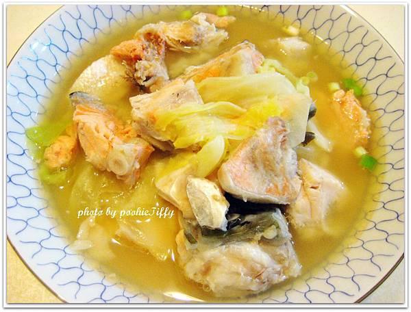 高麗菜味噌鮭魚頭湯