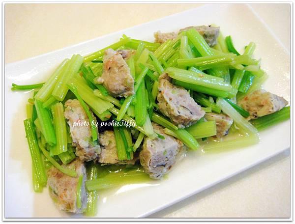 蔬菜魚丸炒芹菜