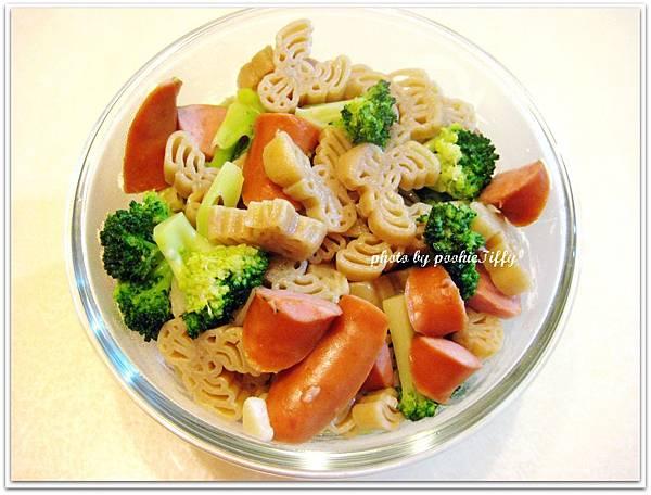 香蒜德式脆腸義大利麵