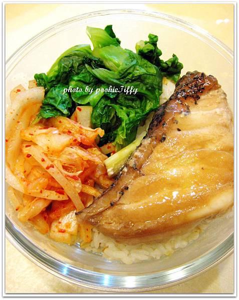清蒸石斑+燙大陸妹+韓式泡菜炒洋蔥