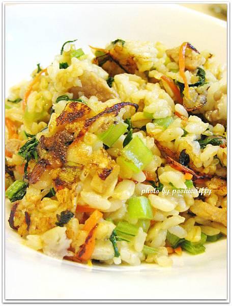 豬頸肉絲+油菜+紅蘿蔔絲菜飯