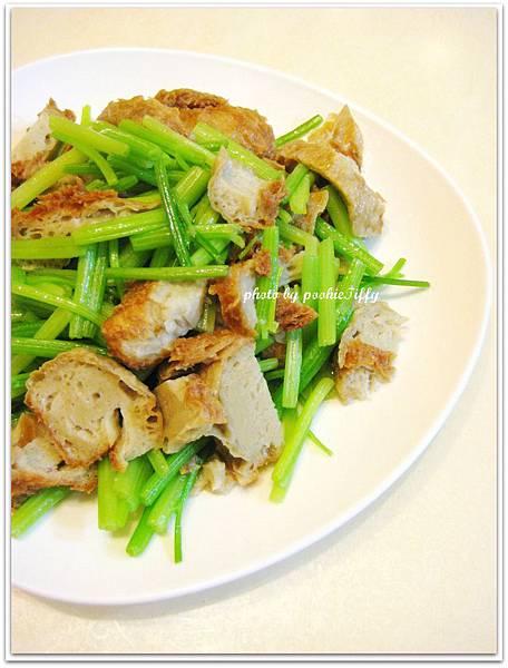 素料芹菜炒