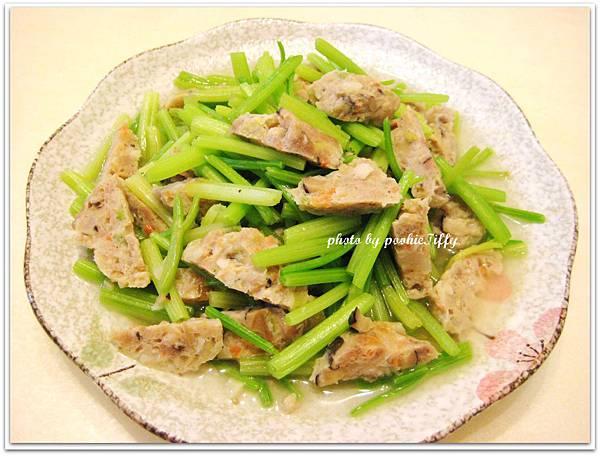 自製蔬菜魚丸炒芹菜