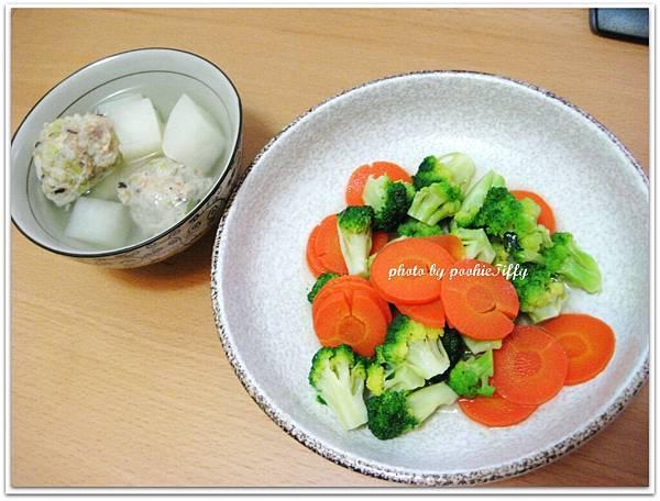 清燙花椰紅蘿蔔+菜頭魚丸湯