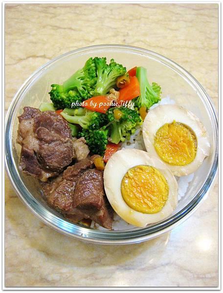 香辣滷肉+滷蛋+燙青菜