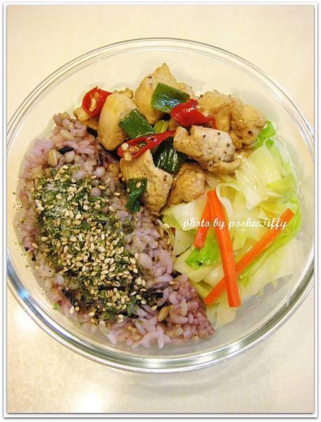 黑胡椒蔥爆雞丁+清炒高麗菜