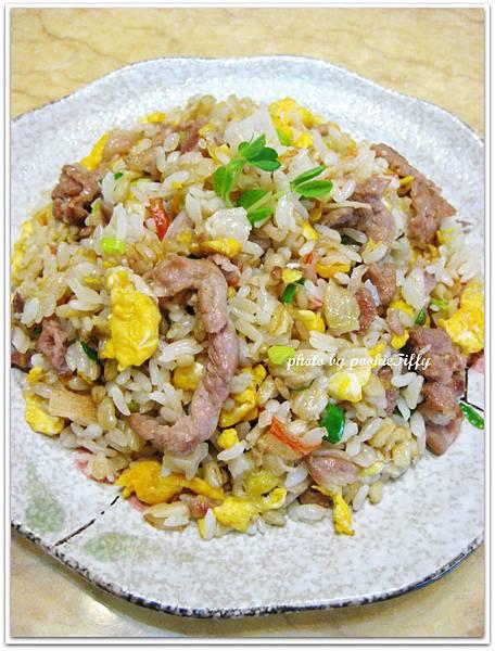 肉絲蟹肉蛋炒飯