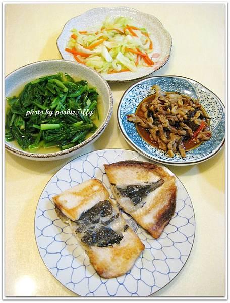 乾煎虱目魚+水炒A菜+水炒高麗菜+魚香肉絲
