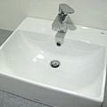 Day8 - 今天完成馬桶及衛浴浴櫃的裝設 (4)