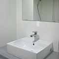 Day8 - 今天完成馬桶及衛浴浴櫃的裝設 (7)