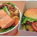 20120726 Fridays漢堡+鮭魚沙拉