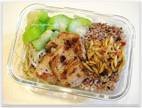 辣炒吻仔魚+椒鹽松阪豬+絲瓜炒蛋+清炒豆芽菜