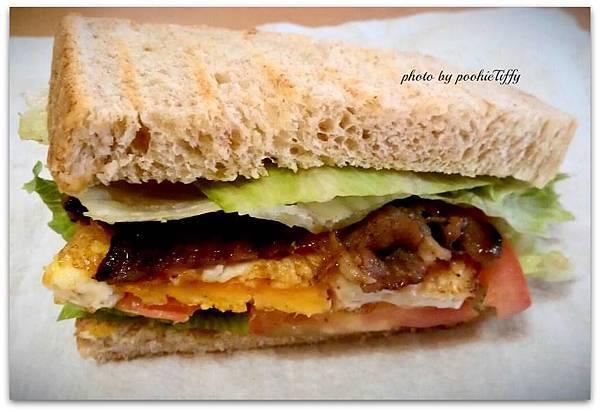自製總匯三明治