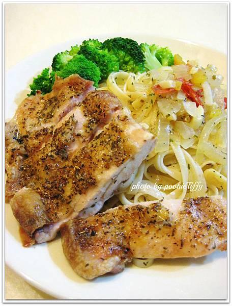 普羅旺斯香料烤雞腿/辣味蒜香義大利麵