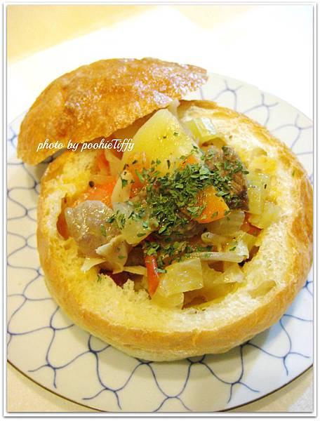 麵包碗+羅宋湯
