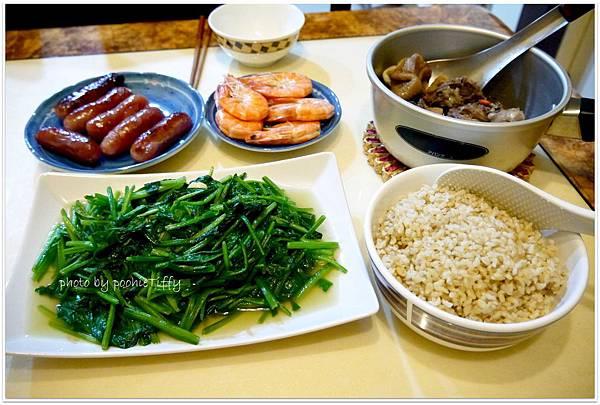 【煎紹興腸。清燙大蝦。清燙波菜。當歸雞湯。糙米飯】