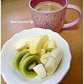 水果早餐配咖啡