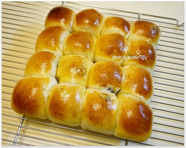 20121210 葡萄乾手撕麵包 (4)