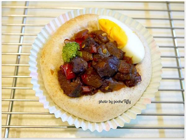 20121210 紅燒牛肉麵包盅 (4)