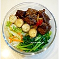 【香辣滷肉。蒜香波菜。清炒高麗菜】