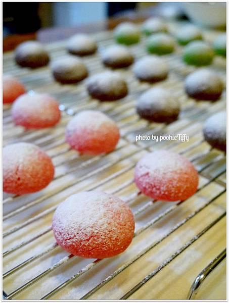 20121224 三色雪球 (巧克力雪球。草莓雪球。抹茶雪球) (7)