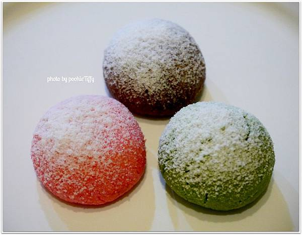 20121224 三色雪球 (巧克力雪球。草莓雪球。抹茶雪球) (9)
