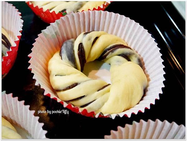 20130129 紅豆花捲麵包 (2)