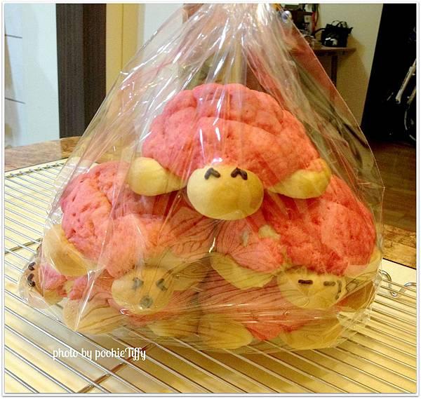 20130203 草莓菠蘿烏龜麵包