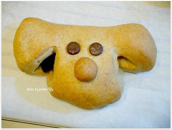 20130207 狗狗造型紅豆麵包 (3)