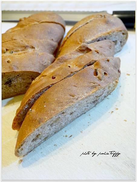 20130316 全麥核桃法國麵包 (5)