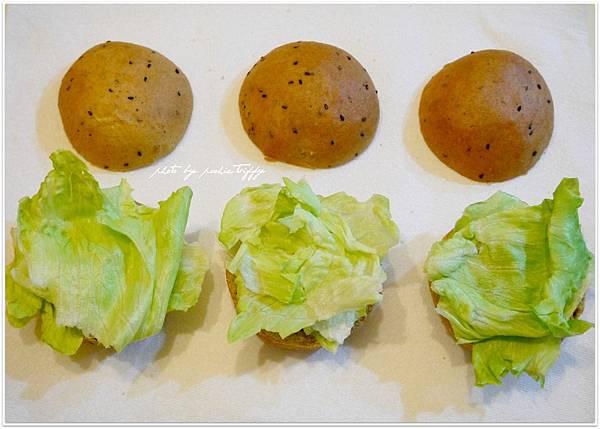 20130318 全麥芝麻照燒豬肉小漢堡 (6)